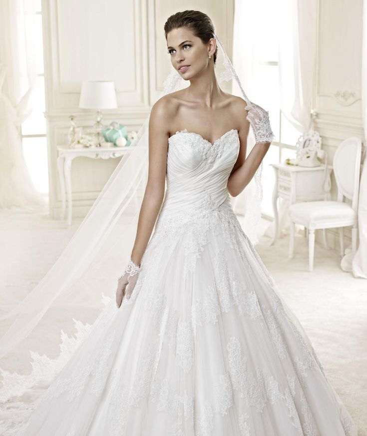 #Nicole #2015Collection #weddingdress #nicolespose ► http://www.nicolespose.it/it/abito-da-sposa-Nicole-DEMETRA-NIAB15026IV-2015