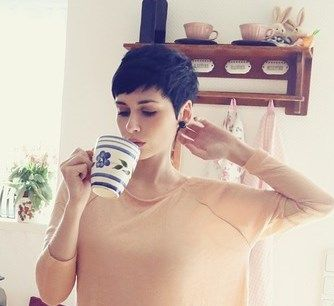 Cute classic Pixie cut w choppy bangs