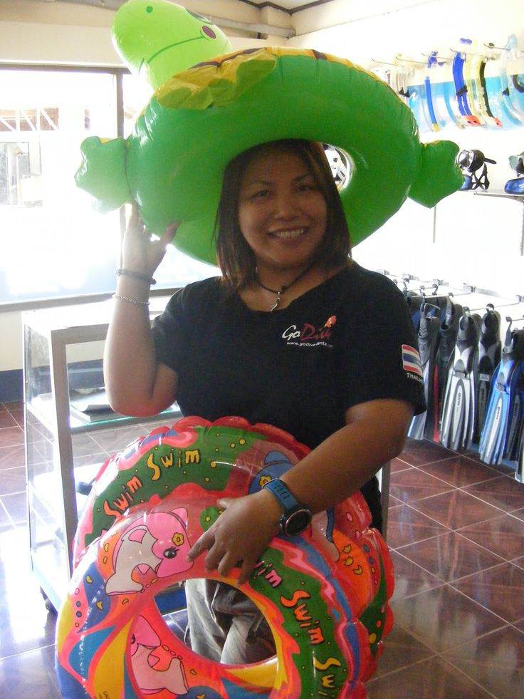 Go Dive Lanta are providing Thai Staff, small life jackets and Lot of goodies!!!