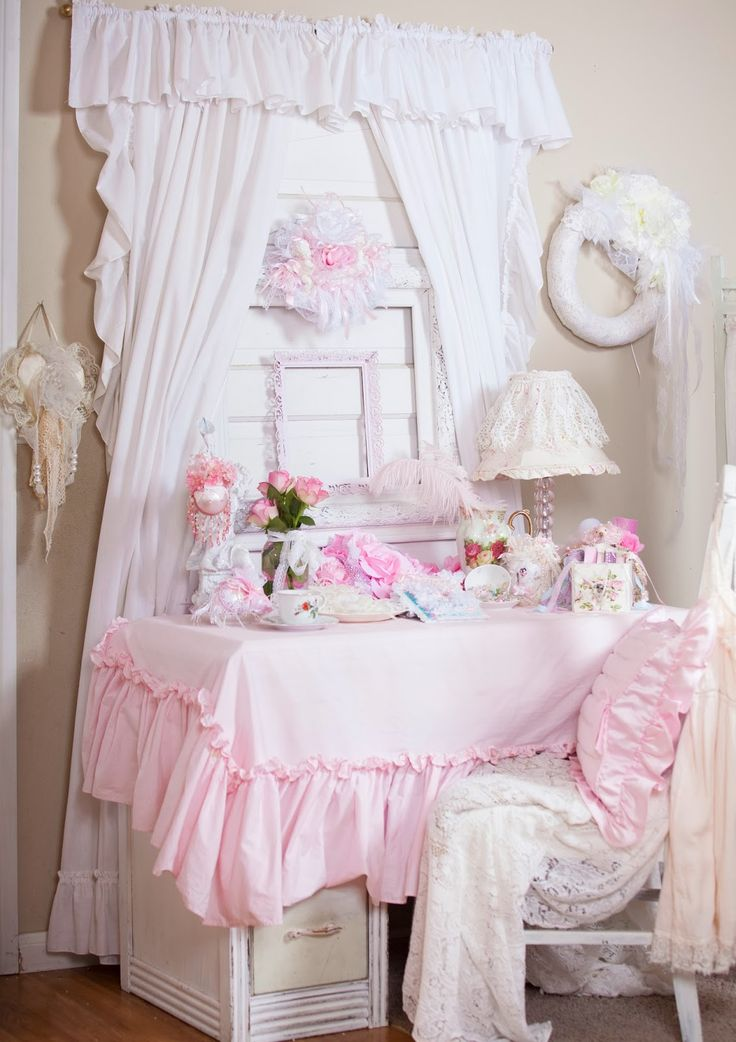 404 best all things feminine images on pinterest girly girl shabby chic cottage and antique lace - Casa romantica shabby chic ...