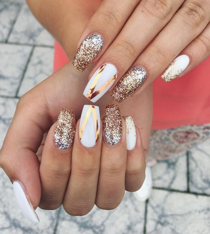 "128 mentions J'aime, 2 commentaires - Lovenails (@lovenails_kj) sur Instagram : ""Some glitter ✨ #nailart #glitter #grey #blue #silver #lovenails_kj #nailsdid #notd #nailswag…"""
