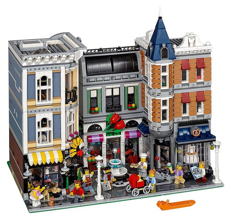 LEGO 10255 : Assembly square   by Alex THELEGOFAN