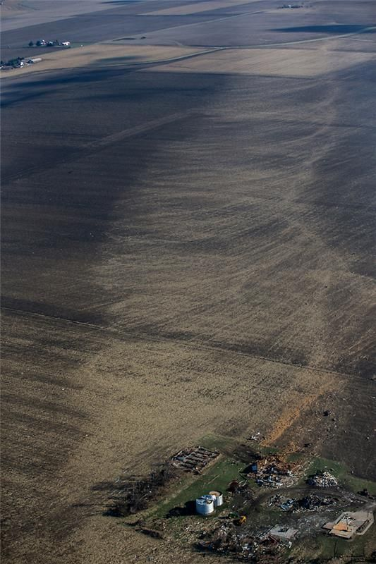 A rare view of a tornado's footprint is revealed in this aerial photograph of Washington, Ill., the day after an EF-4 tornado tore through town. (Zbigniew Bzdak/Chicago Tribune)