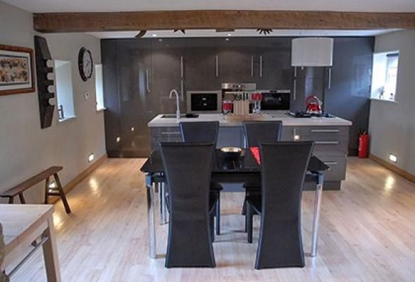 Stylish and modern kitchen diner at Swallow Holiday Cottage, Castleton. www.iknow-yorkshire.co.uk