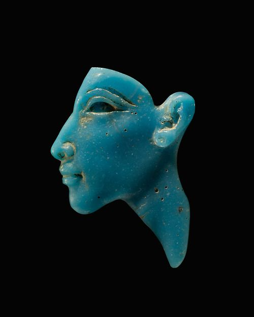 Face Inlay of the Pharaon Akhenaten.     Egypt, New Kingdom, Amarna Period, Dynasty XVIII, about 1353-1336 BC.      Collection of The Corning Museum of Glass, Corning, NY