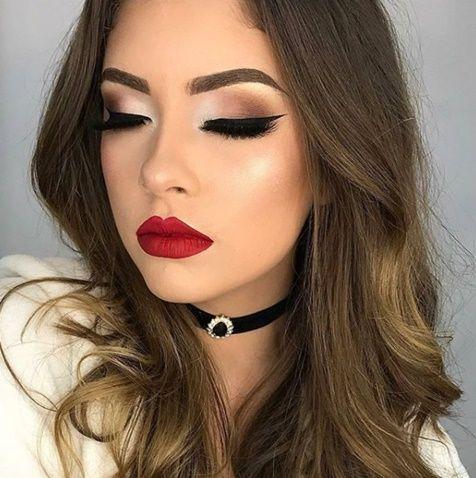 MAQUIAGEM DE FESTA PARA MADRINHAS E FORMANDAS #5   Glitter makeup, Pinterest makeup, Vintage hairstyles