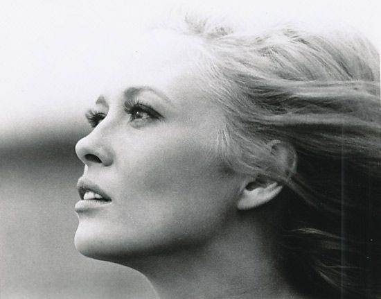 Faye Dunaway, absolutely gorgeous