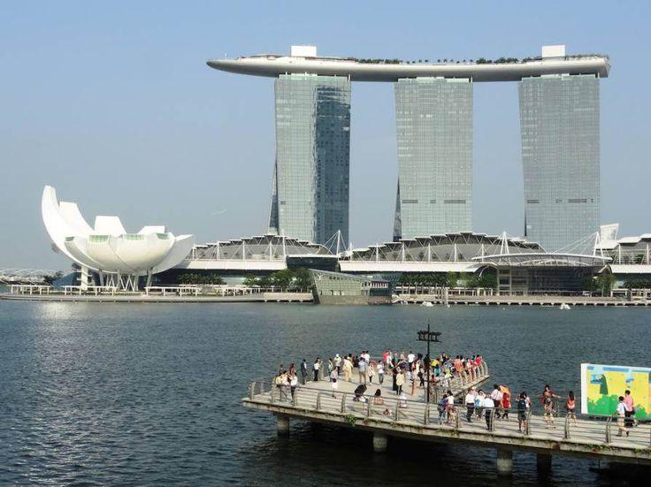 Marina Bay Sands SkyPark, Singapore - by Fabio Achilli:Flickr