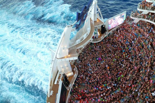 For #gaycruises lovers wanting to visit the #Caribbean on board #Atlantis' biggest #gaycruise with 2800 new friends, #GayTravelAdvice recommends: #SilhouetteCaribbeanCruise between 1 – 8 February 2015. +Info: www.gaytraveladvice.com/america/fort-lauderdale-gay-cruise-caribbean/