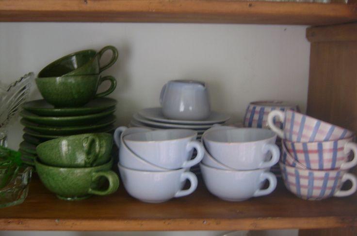 Søholm keramik fra omk. 1950  Grønne tekopper af ukendt keramiker fra 1930,erne