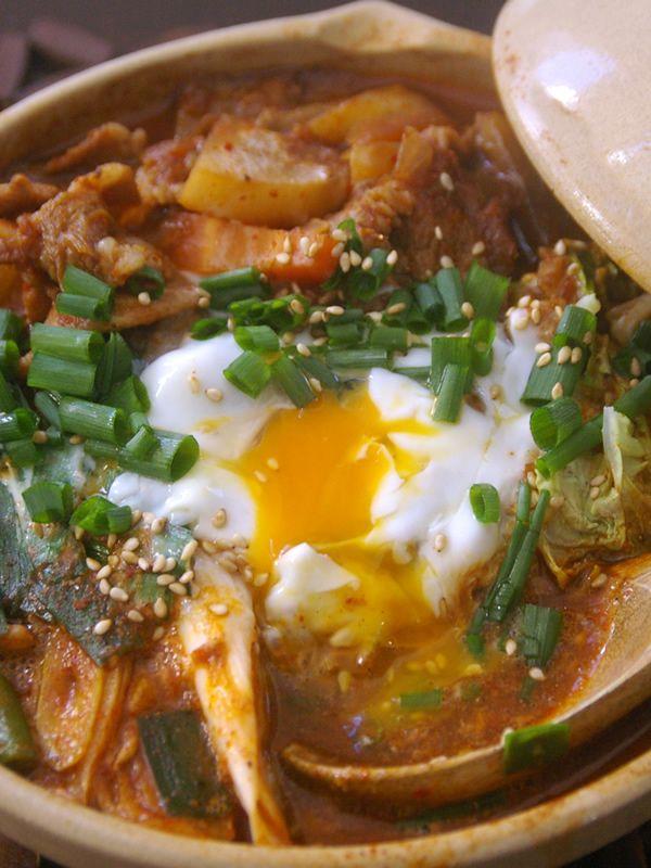 トロ玉本格チゲ鍋うどん by ムビリンゴ | レシピサイト「Nadia | ナディア」プロの料理を無料で検索