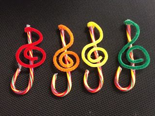 Candy Cane Ornaments - with pipe cleaners! Can use as a gift or let the student learn to make his own treble clef! How clever!