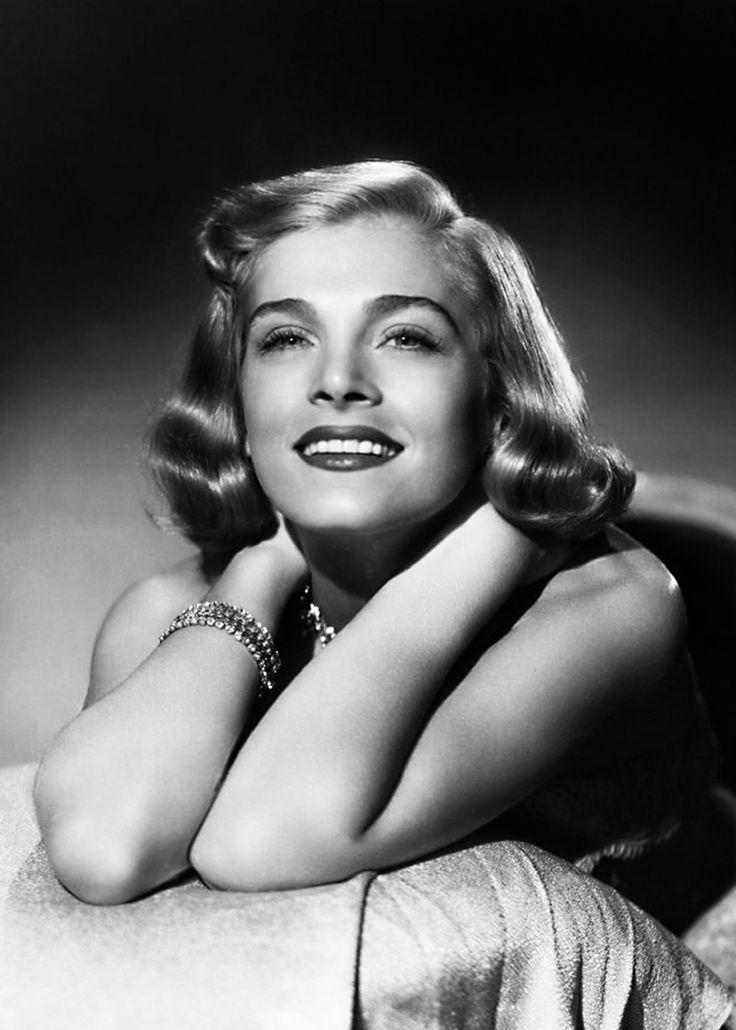 Lizabeth Scott in Too Late for Tears (1949), a hardboiled film noir