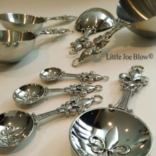 Metal-Measuring-Cups-and-Spoons-Set-by-Ganz-Fleur-De-Lis