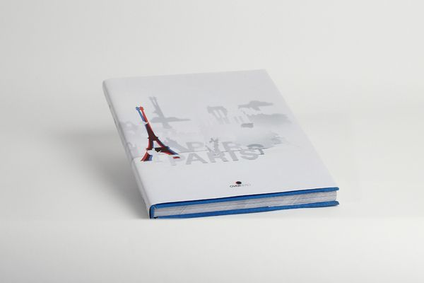 Graphic Design by Nicolas Renou. More on http://lookslikegooddesign.com/graphic-design-nicolas-renou/