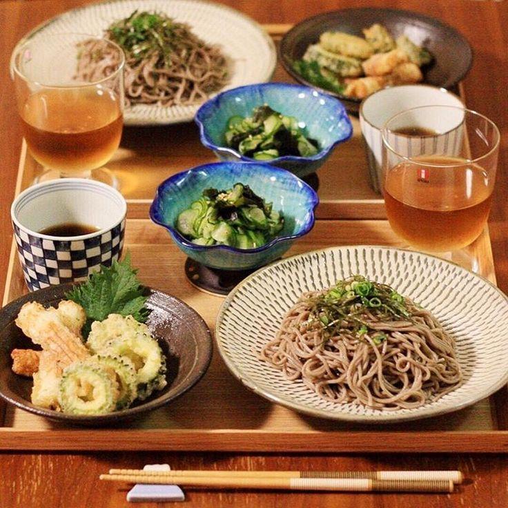 あ゛つ゛い゛〜〜!! 5月ってこんなに暑かったっけ… って毎年思ってる気がする笑 * という訳で今日はざる蕎麦です! これからめっちゃ増えるだろうな〜蕎麦笑 そしてゴーヤの天ぷら初めて作ったんですが、美味しすぎて…これはハマりまっせ * ✿ざるそば ✿ゴーヤの天ぷら ✿ちくわの磯辺揚げ ✿きゅうりとワカメの酢の物 * #ふたりごはん #おうちごはん #うちごはん #晩ごはん #ばんごはん #夕飯 #きょうのごはん #器 #うつわ #夜ごはん #和食器  #食卓 #デリスタグラマー #献立 #料理写真 #クッキングラム #delimia #サンキュインスタ部 #とっておきレシピ #ロカリ #locari_kitchen #小鹿田焼 #ざる蕎麦 #天ぷら