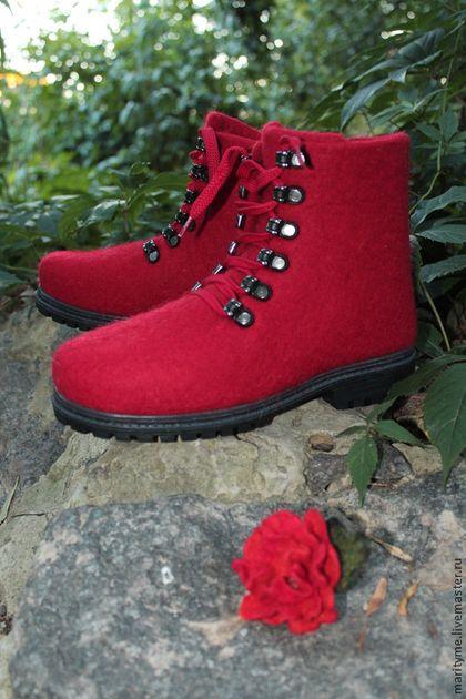"""Валяные ботинки """"Карминовый цвет"""" - ярко-красный,Валяные ботинки,валенки для улицы"""