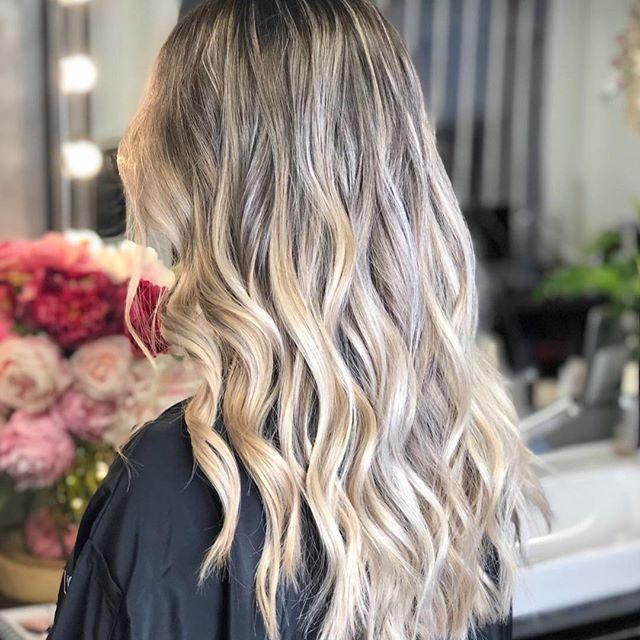Balayageombrehair Atelierstore Hairsalon Coiffeurparis Haircolor Blonde Olaplex Kevinmurphy Hairco Idees De Coiffures Salon De Coiffure Idees Cheveux Longs