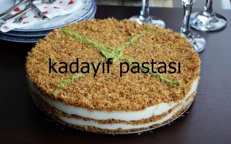 Kadayıf mükemmel bir tatlı malzemesi. Kadayıfla yapılan tatlıların tadına doymak mümkün değil. Peki, kadayıfla pasta yapmak ister misiniz? Bu tarifimizde kadayıflı pasta yapmanın inceliklerini sizlerle paylaştık. Çok şık bir sunumu ve muhteşem bir lezzeti olan bu pastayı mutlaka denemelisiniz. #pasta #tarifi #tarifler #pastatarifleri #tarifleri