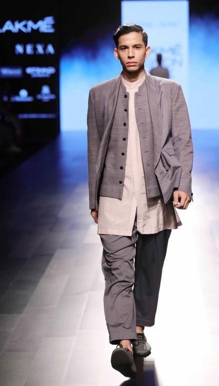 Antar Agni - Divyam Mehta - Lakme Fashion Week AW 17 - 26