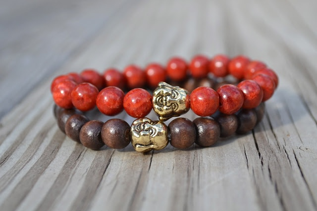 Perlas Rojas-Mini Buda Dorado, Perlas Madera - Mini Buda Dorado