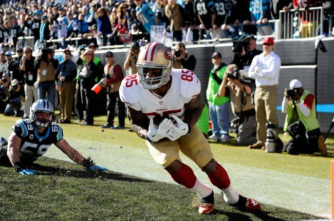 Vernon Davis with a spectacular toe dragging touchdown grab against the Panthers. #SFvsCAR #QuestforSix #49ers