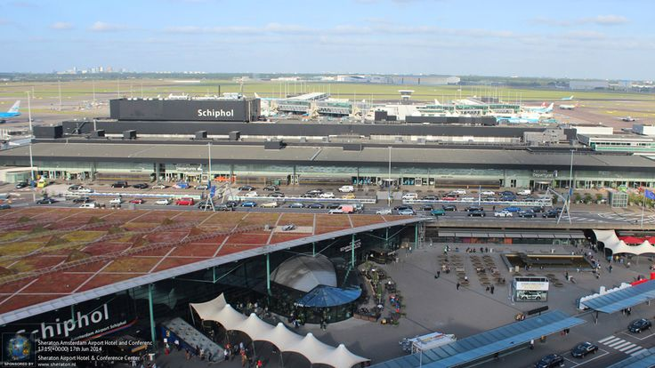 Watch+arrivals+and+departures+at+Schipol+from+the+comfort+of+your+room