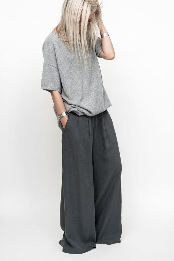 figtny.com | 7 Key Pieces by Eileen Fisher. Minimal and classic | Minimal details fashion | Contemporary fashion | Minimalist style clothing | Grey minimalist looks | Gray minimalist outfits | Neutral modern outfit ideas
