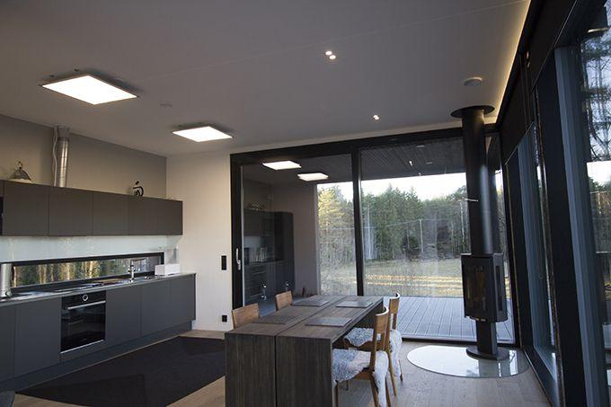 Energy saving LED lights in a modern style home. / Energiaa säästävät LED-valot sopivat moderniin kotiin. www.valaistusblogi.fi