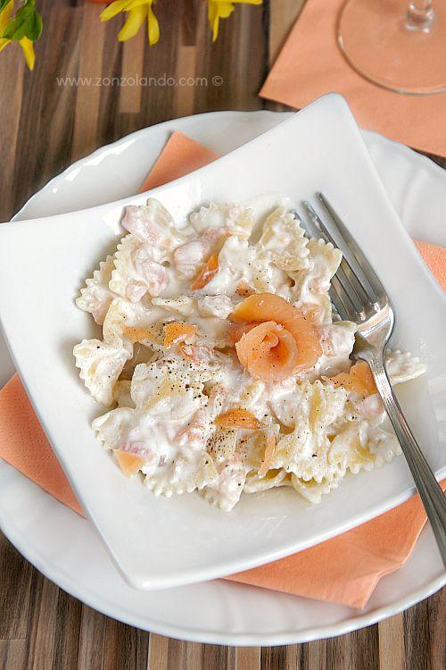 Farfalle al salmone affumicato con crema di ricotta e noci - Pasta with Smoked Salmon, ricotta and walnuts   From Zonzolando.com