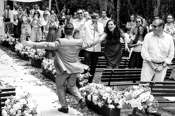 I congratulate you on this happy occasion and wish a lot of happy years together! Photos by Tatiane Braga Donato | Leandro Donato Fotografia | São Paulo, Brazil