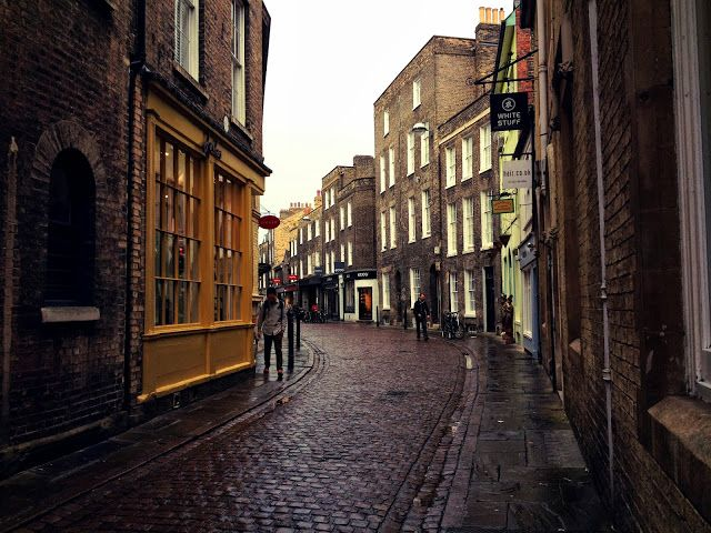 little brightness, cambridge city street, shop front, cobbled street, england, British
