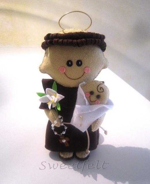 ♥♥♥ Viva o Sto António!!! by sweetfelt \ ideias em feltro, via Flickr
