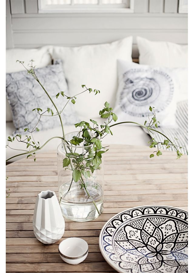 ⌂Morrocan plate ,black & white