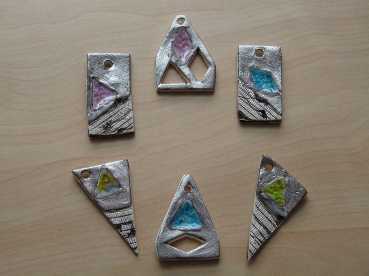 Přívěsky-keramika se sklem
