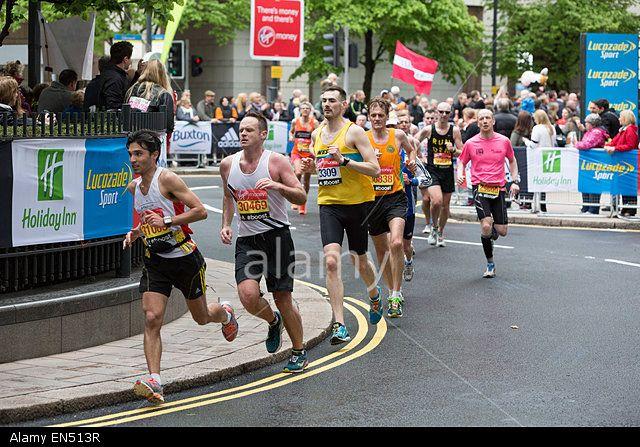 Club, charity and ballot runners, running at the 2015 Virgin Money London Marathon Stock Photo