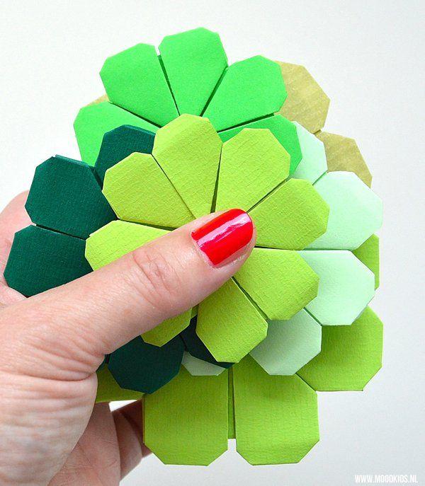 Zelf een klavertje vier vouwen is met deze duidelijke stap voor stap uitleg en fototutorial heel eenvoudig. #origami