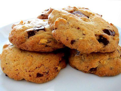 cookies med nødder og chokolade