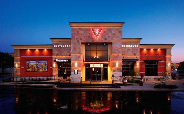 BJ's Restaurant & Brewhouse.  Located in the Post Oak Mall parking lot.