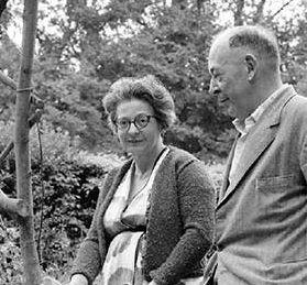 El film TIERRAS DE PENUMBRA está basado en hechos y personajes reales. En la foto, los auténticos Joy Davidman y C. S. Lewis.