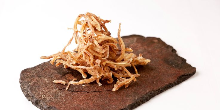 Learn how to cook pig's ears sous vide with this step-by-step sous vide pig's ears recipe from Great British Chefs.
