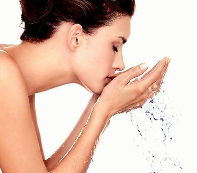 Как приготовить мицеллярную воду в домашних условиях? Мы уверены, что вам понравится использовать мицеллярную воду по нашему рецепту. Это настоящее чудо для кожи!
