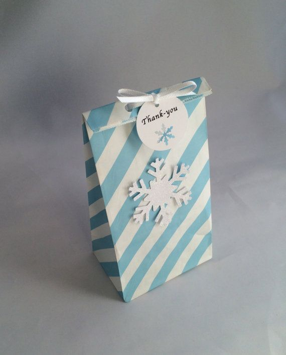 Frozen Favor Bag with Thank You Tag and Ribbon: 10+ Holiday/ Frozen Party Bag, Paper Snowflake Treat Bag, Gift Bag, Thank You