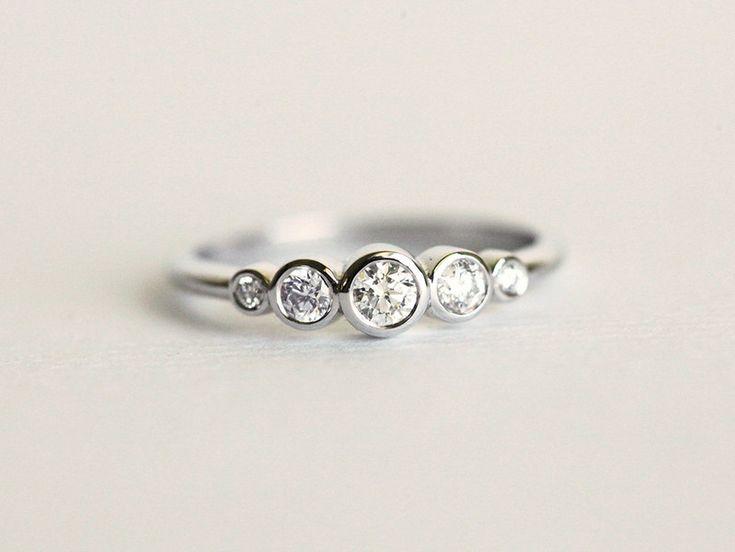 Diamant Ring, 14 kt Weißgold Ring - ein Designerstück von Capucinne bei DaWanda