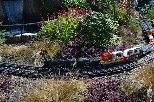 1000 images about model trains on pinterest gardens for Landscaping longwood