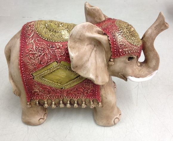 Elefantes indianos em gesso trabalhado, pintados à mão. Dimensões:  20cm x 27cm