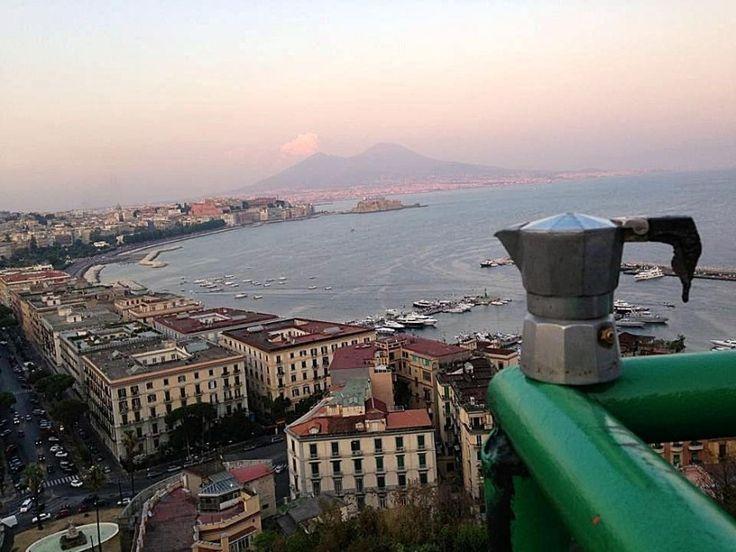 Napoli, Il viaggio di una moka by Vincenzo Rusciano