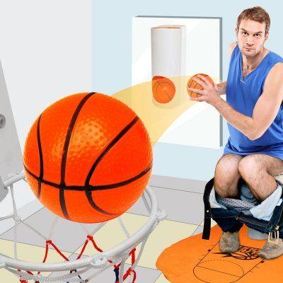 Mach den Toilettengang zur Sport-Challenge – mit diesem Basketballkorb für die Toilette. Aber nicht vergessen: Gut Zielen ist Pflicht... in jeglicher Hinsicht ;) via www.monsterzeug.de