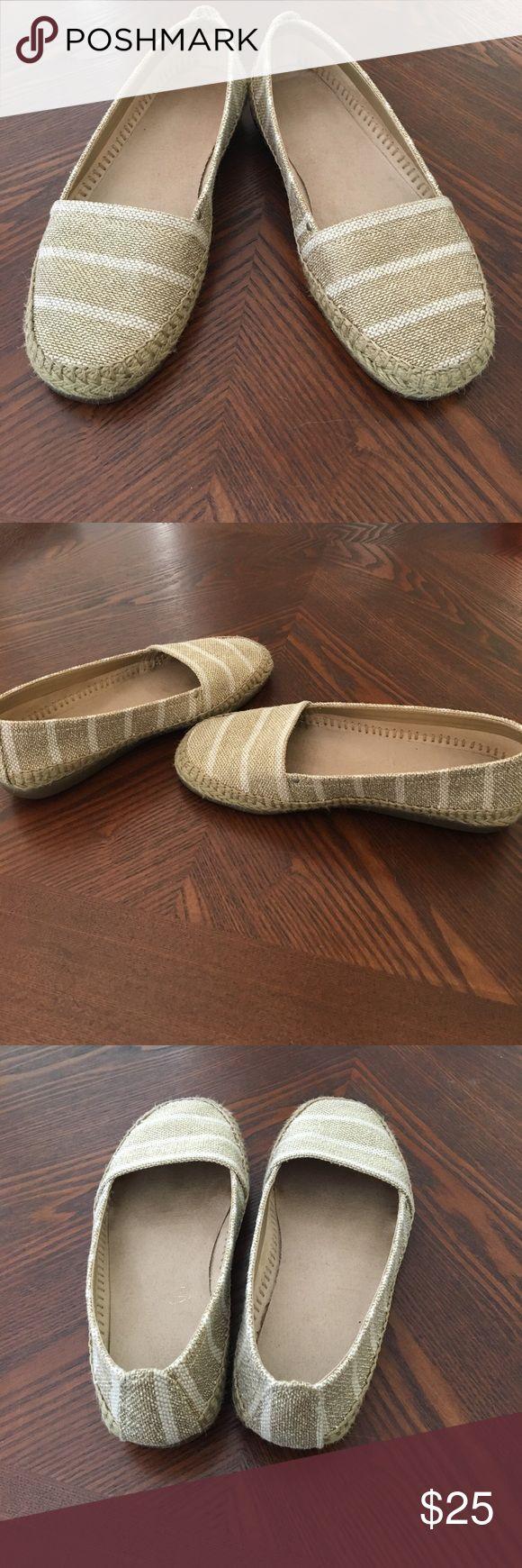 Aerosoles Solitaire Espadrilles Ladies Aerosoles Size 6.5, Natural Gold Fabric w/ Braided Rope Trim, Slip-on w/ Memory Foam Insole, Diamond Pattern Rubber Sole, Comfortable Shoe!  Worn, Still in Good Condition! AEROSOLES Shoes Espadrilles