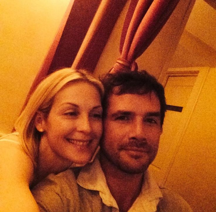 Kelly Rutherford and Matthew Settle from Gossip Girl